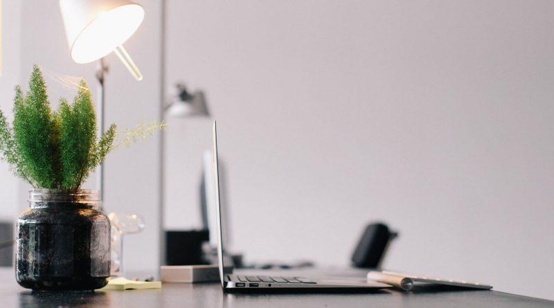 Uma mesa de trabalho agradável. Componentes do Ambiente e sua organização