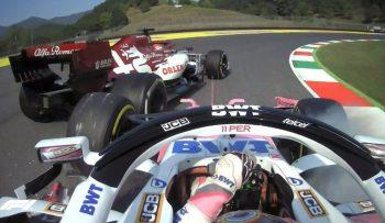 Carro de Fórmula 1 na pista de corrida