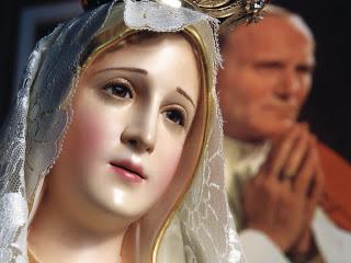 Imagem de Nossa Senhora e o Papa João Paulo II. Manifesto de Dresden: Maria e os protestantes.