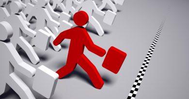 Esquema de bonequinhos representando um trabalhador correndo à frente de outros o que nos faz pensar também que a Empregabilidade depende de uma visão empreendedora.
